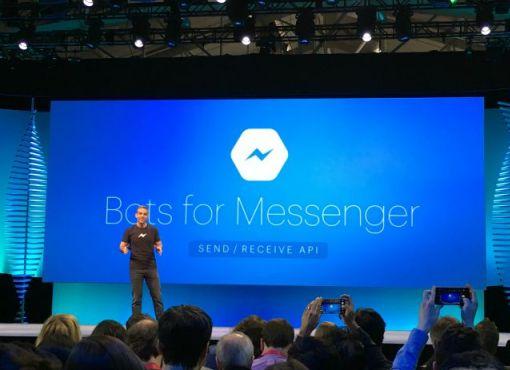 Na imagem, um representante do Facebook Messenger fala em conferência sobre os bots para mensagens do Facebook.