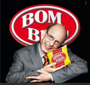 Na imagem, Carlos Moreno, garoto propaganda da Bombril.